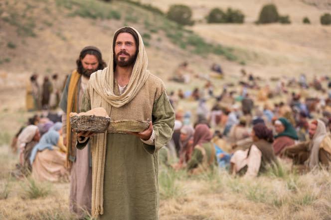 Jesús alimenta a 5.000