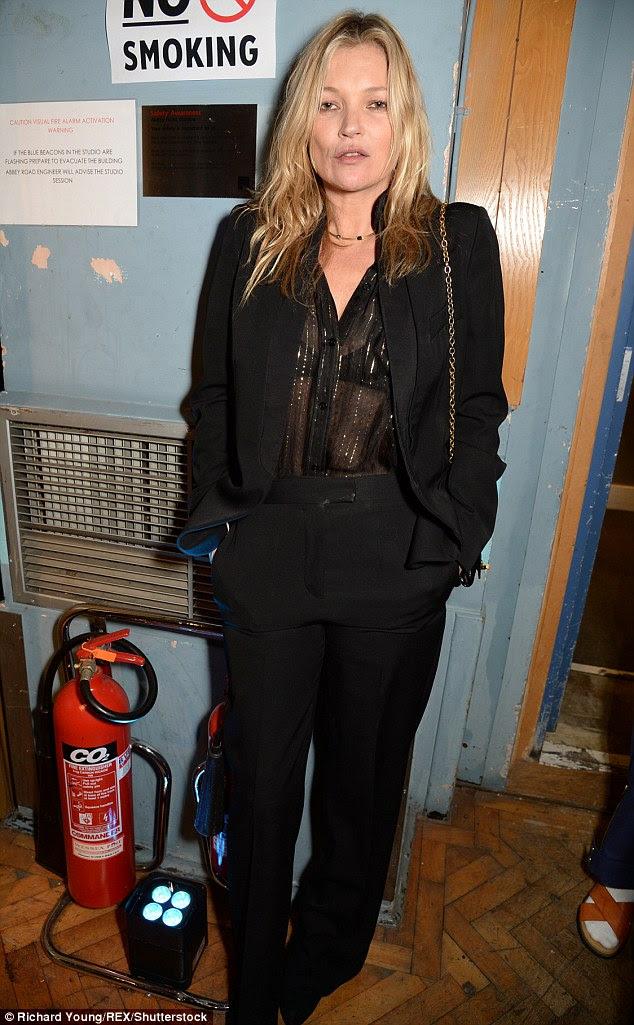 Popular como sempre: fashionista Iconic Kate parecia grande como ela chegou ao seu amigo mais recente frescos lançamento roupas de Stella McCartney de outro baile em toda a cidade