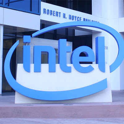 Intel Shows Xeon Scalable Gold 6138P with Integrated FPGA, Shipping