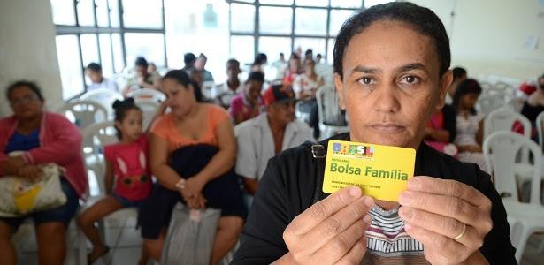 Maria Rosilene da Silva, 41, afirma que teve o benefício cancelado no mês passado | Foto: Beto Macário/Uol