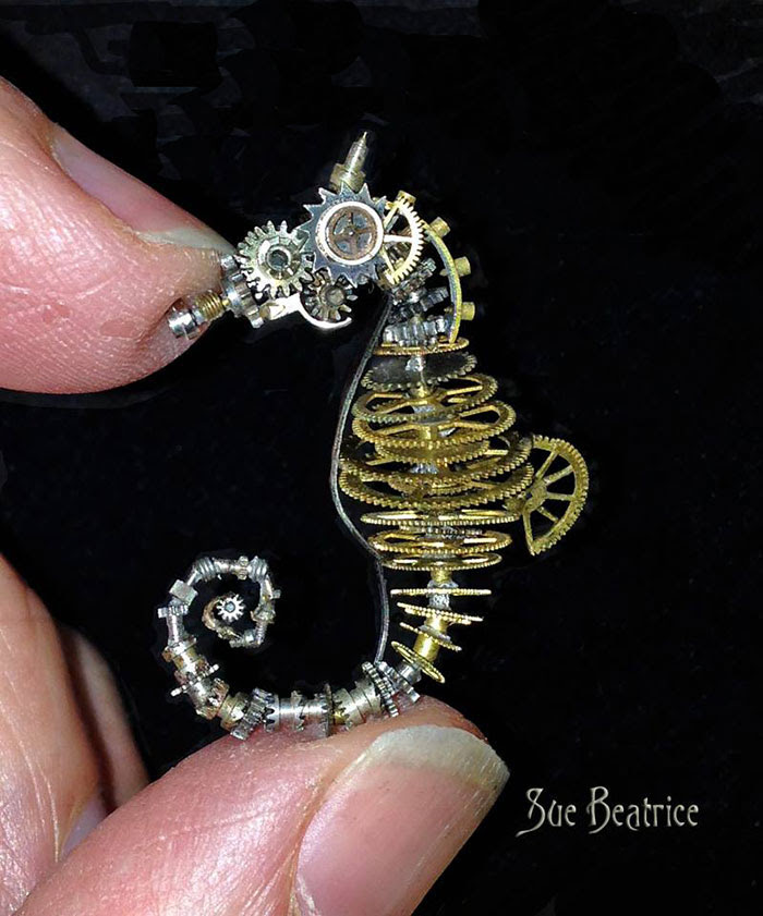esculturas-steampunk-piezas-relojes-recicladas-susan-beatrice (2)