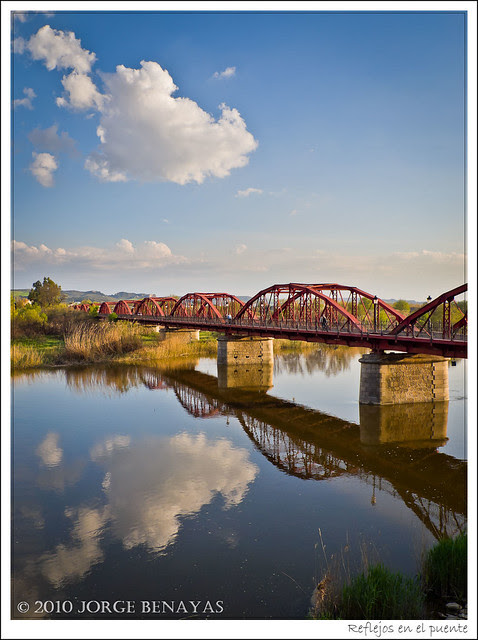 Reflejos en el puente