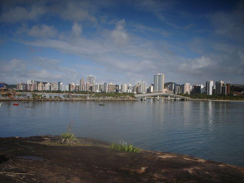 Ficheiro:Vitória, Espírito Santo skyline.jpg