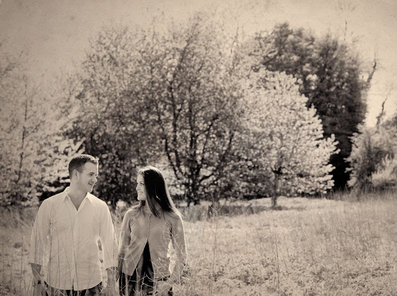 Location portrait photo of young couple in a field photo locationpotraits1PhilLynchPhotographer_zps3dc4c466.jpg
