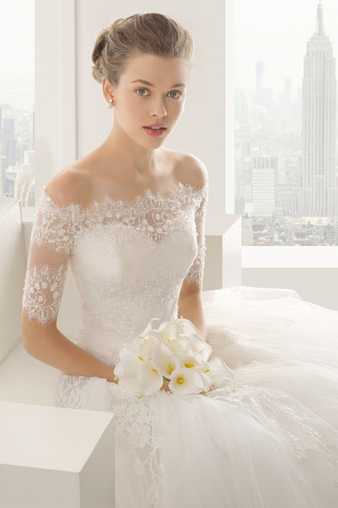 2014-12-22-4rosaclarasheilaweddingdress.jpg