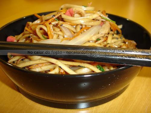 Udon preparado na wok