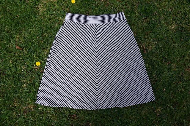 Stretchy Skirt close up