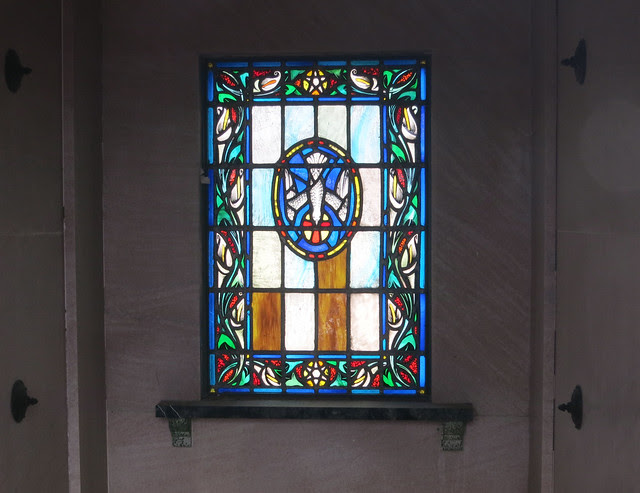 IMG_1374-2014-03-01-Westview-Cemetery-Read-Mausoleum-has-Stained-Glass-Atlanta