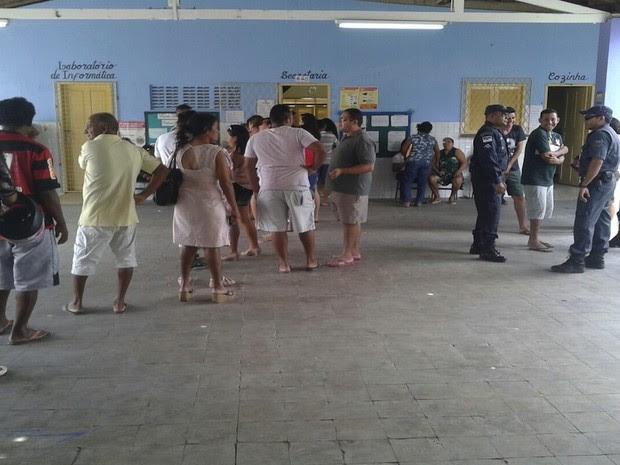 Votação em escola onde eleitor foi morto em Mossoró, RN, é retomada após realocação de seção (Foto: Sara Cardoso/Inter TV Cabugi)