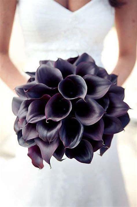 Best Dark Flowers For Your Statement Wedding Bouquet