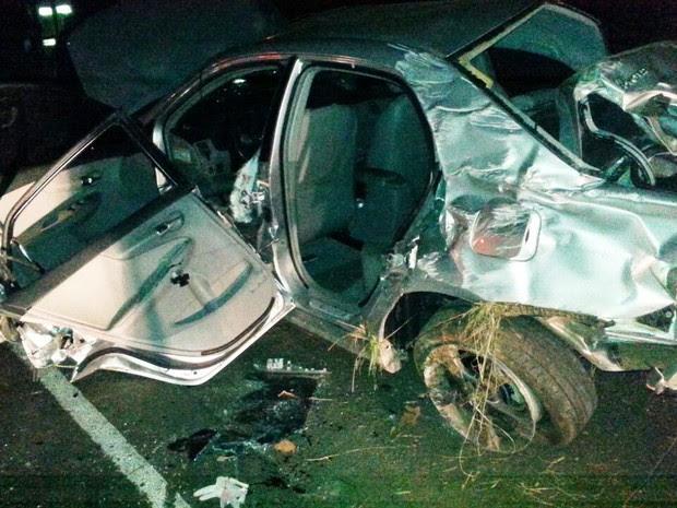 Um homem morreu e dois ficaram feridos após carro capotar em São Miguel do Oeste (Foto: PRF/Divulgação)