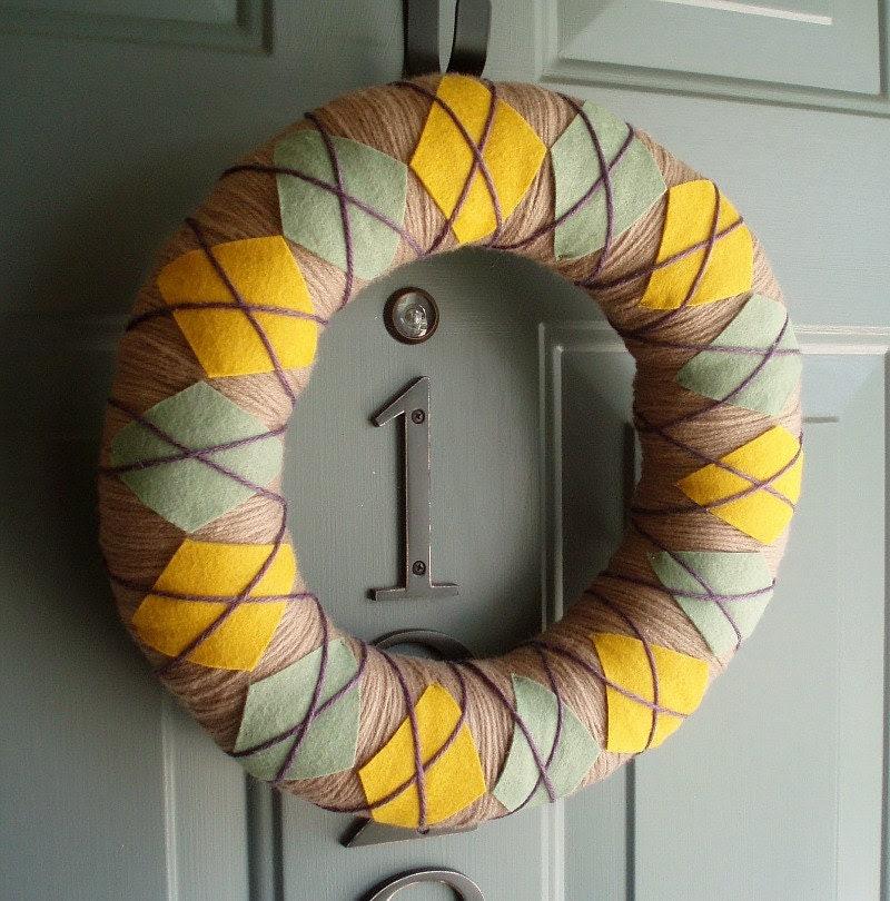 Yarn Wreath Felt Handmade Door Decoration - Fall Argyle Plaid 12in