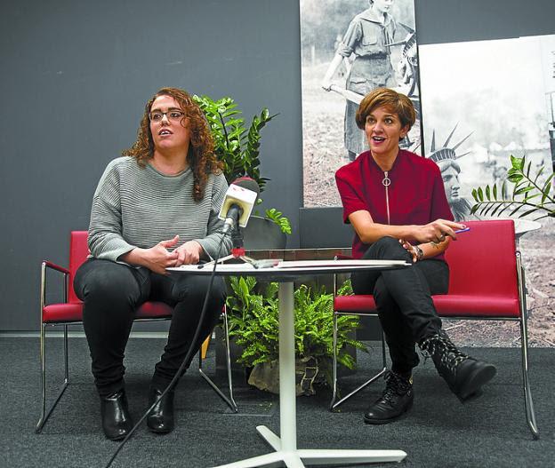 Presentación. Mónica Martínez y Eunate Encinas. /  F. DE LA HERA