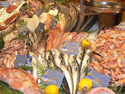 rayonnage de poissons.jpg