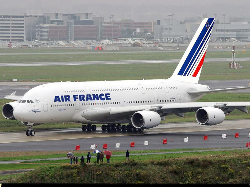 http://www.andrics.com/images/Airbus-A380-Air-France-1.jpg