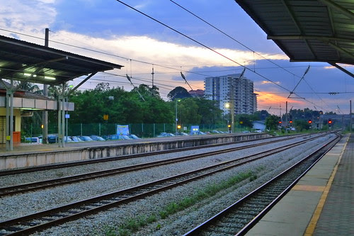 Batu Tiga train station
