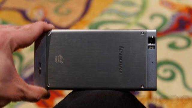 Lenovo K900 Hands-On: This Tall, Skinny Hottie Needs to Get In My Pants