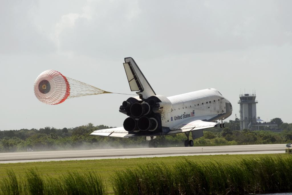Jul31-2009 STS127landing