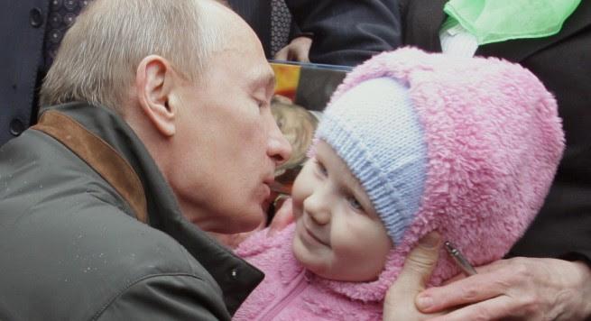 Vladimir Putin kërkon t'ia kalojë Xhinxhis Kanit me 16 milion pasardhës: Propozimi në Parlament: ruset me barrë nga sperma e Putin