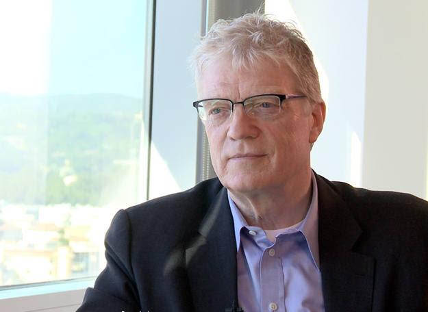 Ken Robinson, experto en desarrollo de la creatividad.