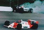 1989: Emerson Fittipaldi e Al Unser Jr. disputavam a vitória, quando o americano perdeu o controle do seu carro e colidiu contra o muro, deixando as coisas mais fáceis para o brasileiro.