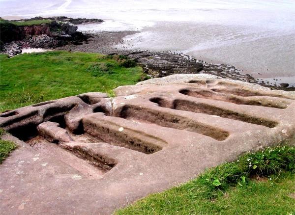 File:Ancient stone graves at St. Patrick's Chapel, Heysham - geograph.org.uk - 333469.jpg
