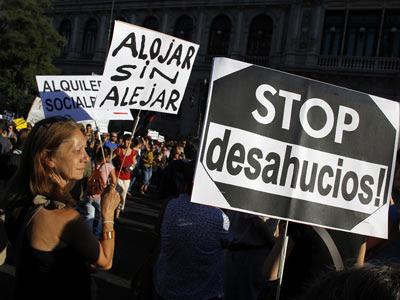 Manifestación en Madrid, en septiembre pasado, contra los desahucios y en favor de la dación en pago.-Monica Patxot