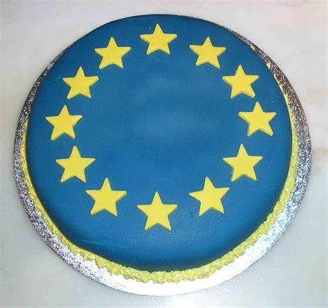 Chennells Brook Barn Cakes: e mail: carol@chambers workman.com