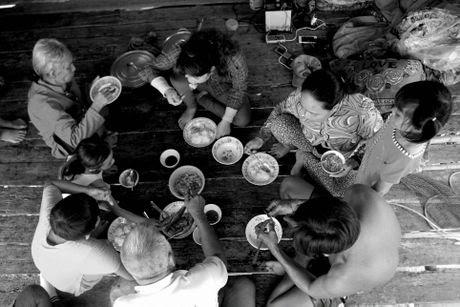 Xom Viet kieu khong co tuong lai o Tay Ninh - Anh 8