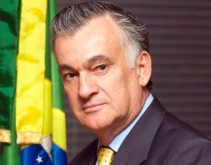 """Juca Ferreira: """"Crise fez emergir lado reacionário da sociedade brasileira"""""""