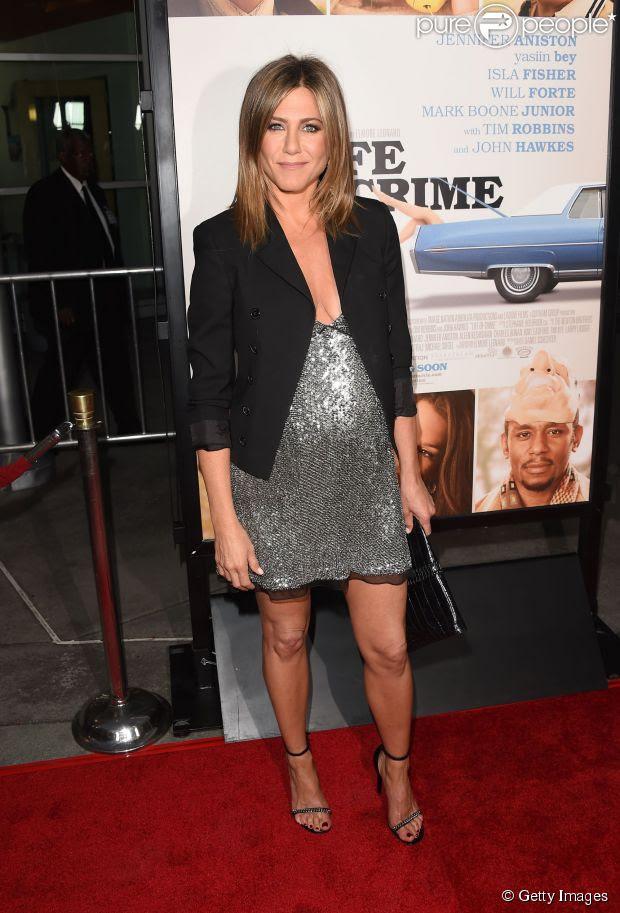 Jennifer Aniston está à espera do primeiro filho com seu noivo, Justin Theroux