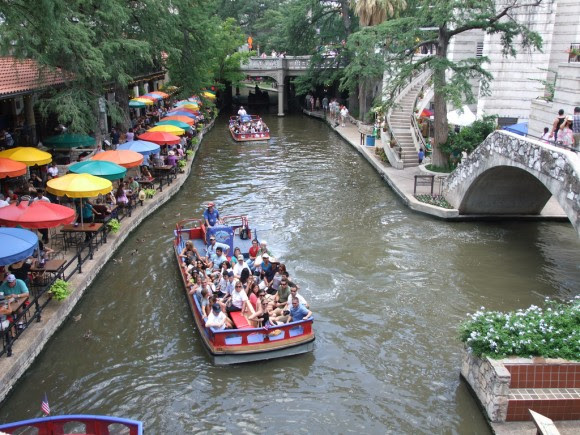 Riverwalk San Antonio. © Flickr Usuario: Tim (Timothy) Pearce Licencia: CC BY 2.0