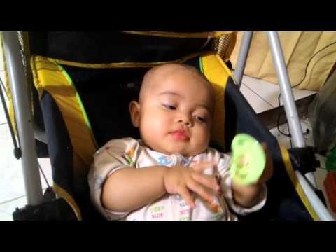 Video Bayi Suka Mainin Dot (Empeng) di Mulutnya: Ngedot