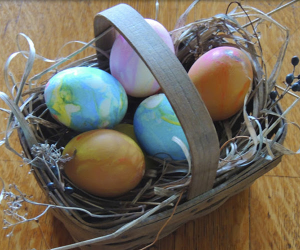 Create Marbleized Easter Eggs