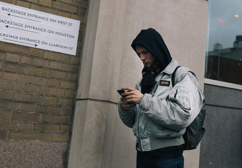 http://assets.vogue.com/photos/5891f4b0b482c0ea0e4dbfca/master/pass/25-mens-day-1-street-style-ny.jpg