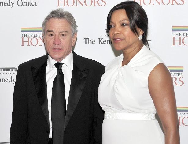 O ator Robert De Niro e a mulher, a comissária de voo Grace Hightower em jantar de gala em Washington (04/12/2011)