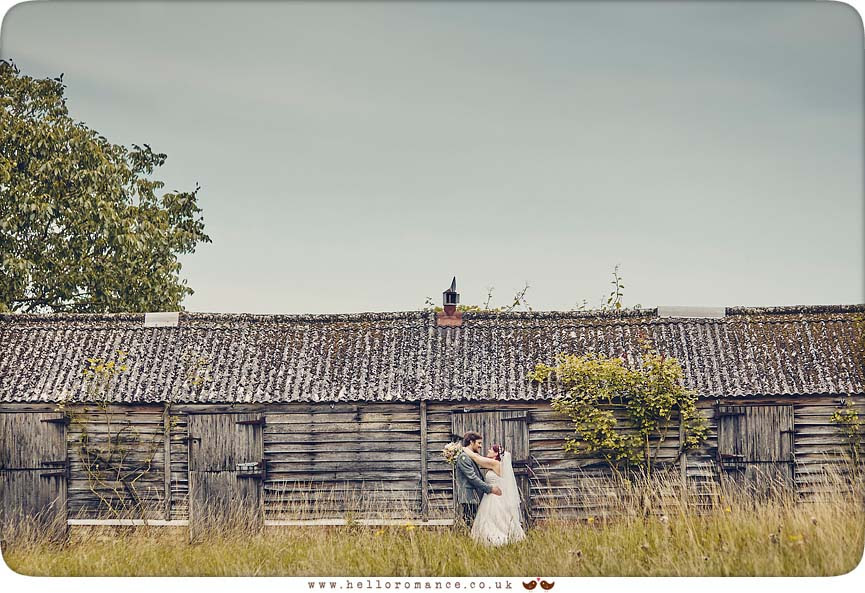 Derelict Barn wedding photo, rustic, quirky and alternative - www.helloromance.co.uk