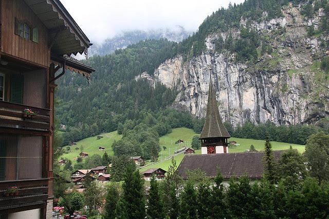 Perierga.gr - Lauterbrunnen