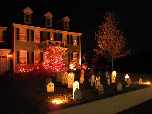 10 tips for Halloween lights outdoor buyers  Warisan Lighting