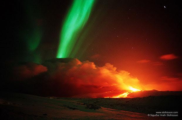 ภาพถ่าย ภูเขาไฟ แสงออโรรา ไอซ์แลนด์