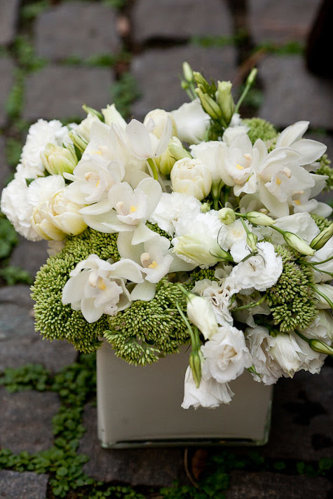 Flowers from JenniferDavisPhotography via DesignSponge