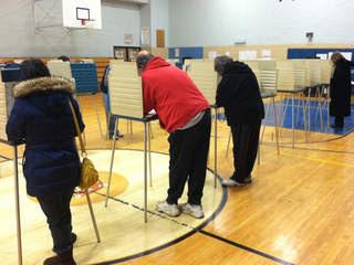 seven-hills-voters_20120306195102_JPG