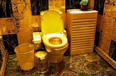 Toilet Emas