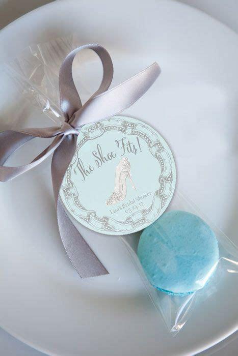 1000  ideas about Cinderella Bridal Showers on Pinterest