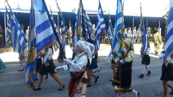 Η Πάτρα χειροκρότησε τα νιάτα της στη παρέλαση της 25ης Μαρτίου – Δείτε φωτογραφίες