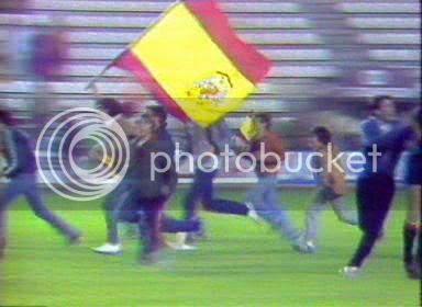 Hoy esa bandera española tan grande quizá fuera políticamente incorrecta