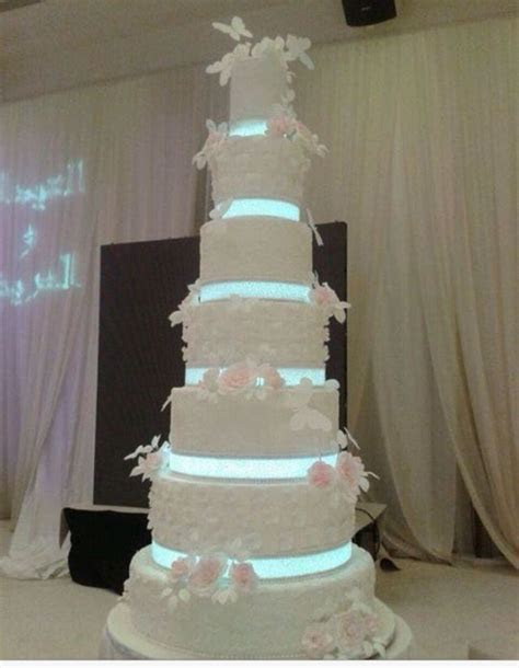 1000  images about Giant wedding cakes! on Pinterest
