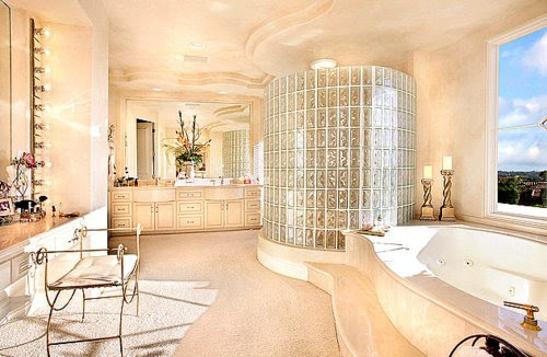 19 Cool, Modern and Extremely Luxury Bathrooms ...