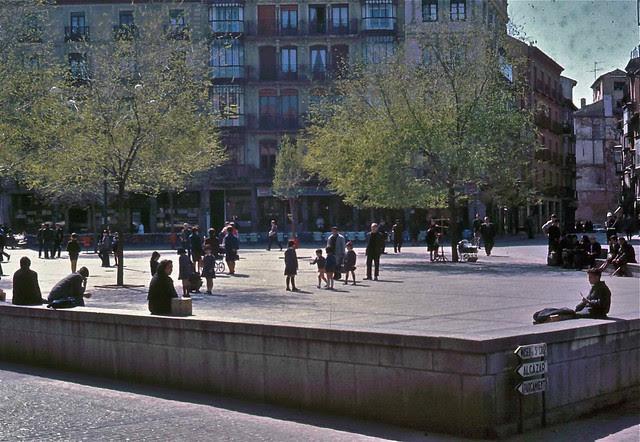 Plaza de Zocodover en Toledo hacia 1967. Fotografía de John Fyfe