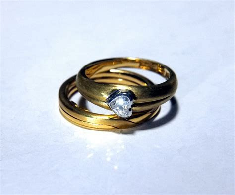 SIJS Gimmel Ring Twin Wedding Bands   Singapore Island